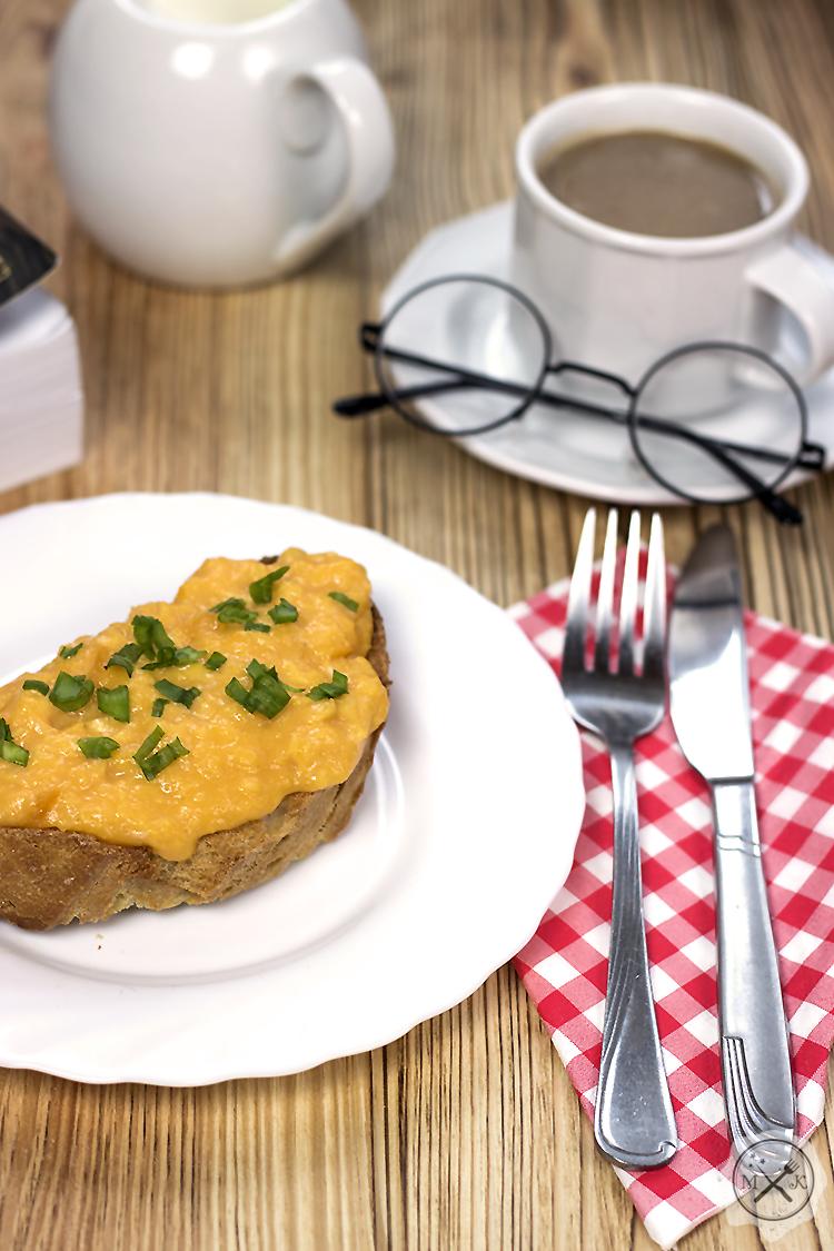 Jajecznica na tostach
