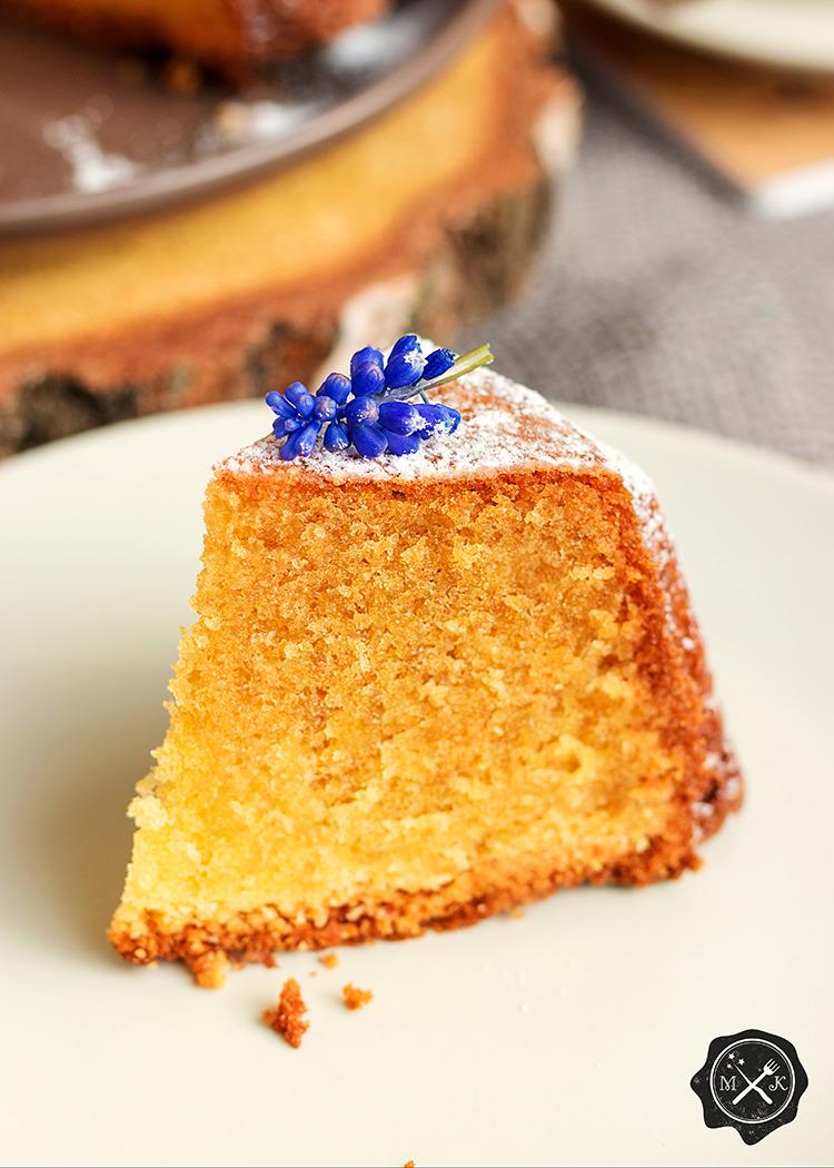 Kawałek ciasta Pound Cake
